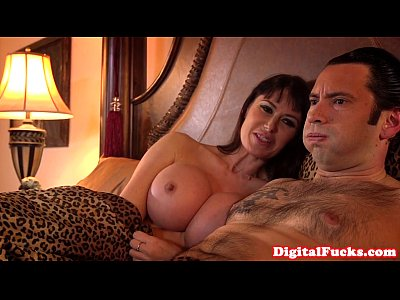 Analized busty babe enjoys deepthroat session