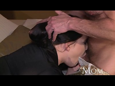 Milf Mature porno: MOM George uses old tricks to get his new milf to climax