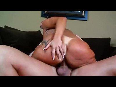 Monica Santiago dando o cuzinho pro gringo