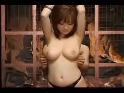 【巨乳ギャル動画】悩殺ボディ浜崎りおのカラダを縛りさわり放題のエロ無双!