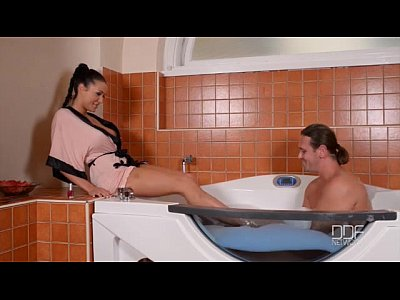 Athletic Bigtits Cumonfeet video: Gorgeous leggy Patty Michova gives an incredible Footjob