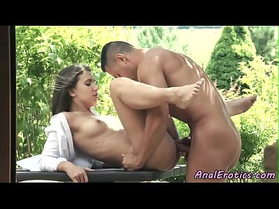 Anal Amateur porno: Eurobabe assfucked outdoor in a doggystyle