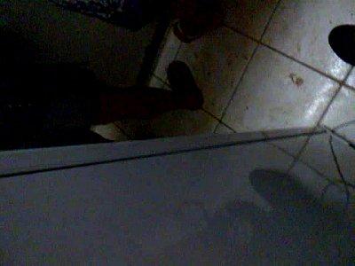 debaixo da mesa 8