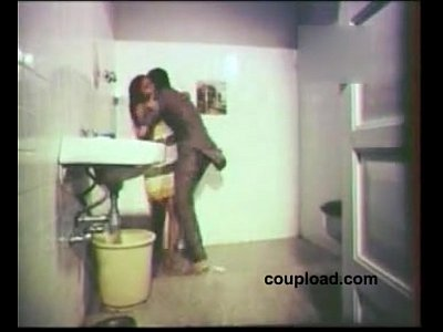Bath Kiss Seduced video: Boy Seduced by Mallu Aunty Bath Bed Sex Lip Kiss