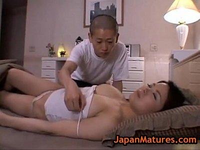 熟睡中の巨乳な美熟女が息子におっぱいをイタズラされまくってます
