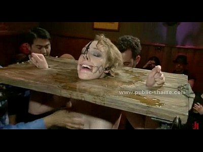 Публичное наказание рабыни БДСМ