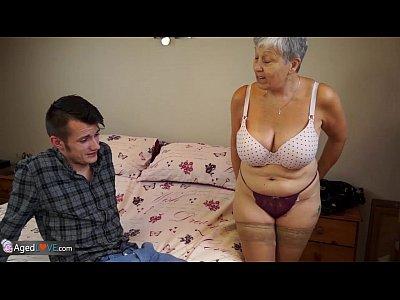 Hardcore Shaved porno: Old lady Savana fucked by student Sam Bourne