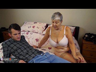 Секс с бабулей