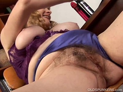 Milf Mature Busty vid: Super cute chubby old spunker loves to fuck her fat juicy pussy 4 U