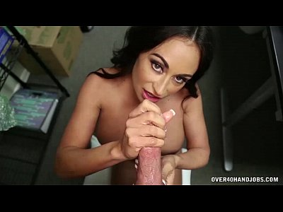 Porno video: Mature Latina Hanjob At The Office