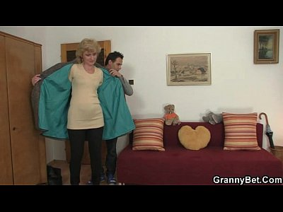 Granny Grandma Olderyounger video: Old blonde is picked up for cock riding
