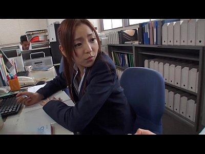 輝月あんり:『早くちんちん出しなさい』部活の優しい先生は、僕達のペニスをシゴイて性処理してくれる!