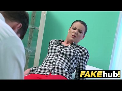 Porno video: Fake Hospital Doctor prescribes sticky facial to help heal sexy brunette