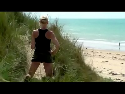 Babes Flashing Beach video: theSandfly Sexbites - Dune Jerkoff