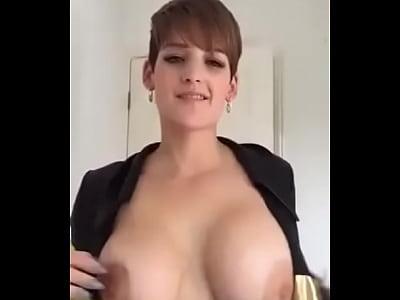 jovencita sexy cogiendo en webcam