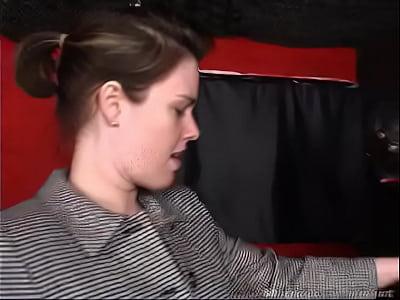 Девки трахают своих парней рабов