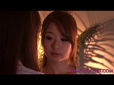 【AV女優SEX動画】AV女優青木美空の美熟女ビアン家庭教師に手マンやクンニでレズ調教され快楽に目覚める女子大生