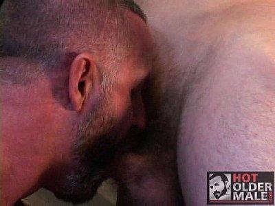 Tatuados roqueiros na foda gay intensa