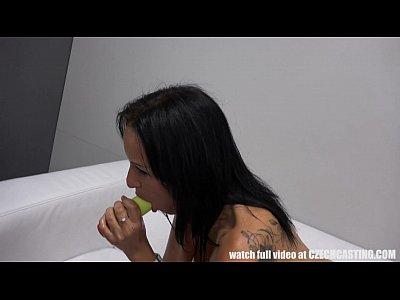 incredibile hot ceco babe giocando con dildo