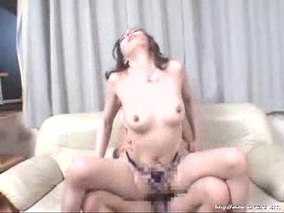 激しい不倫3Pセックスで獣の様に喘ぎ声を上げる人妻熟女