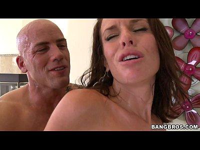 BANGBROS - She's a squirter