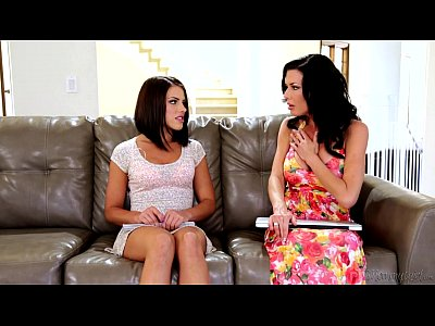 Squirting Licking Milf video: Mommy Takes a Squirt - Adriana Chechik, Veronica Avluv