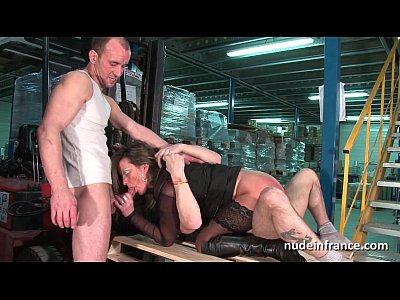 Amateur Hardcore French video: Female boss hard double penetrated by a pair of co worker