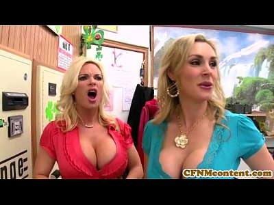 CFNM Tanya Tate creampied in fourway fun