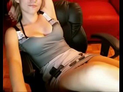 Gamer girl on webcam - more videos at AllNewCams.net