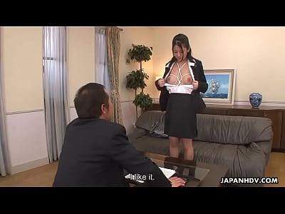 アジア事務所女性里美与える彼女猫アップ