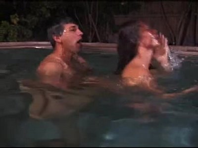 Blowjob Fuck Pool video: Underwater fuck