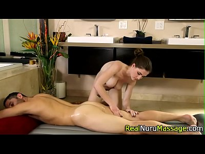 Porno video: Wam pretty masseuse fuck
