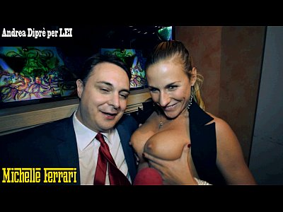 Pornstar Michelle Ferrari does taste her cunt to Andrea Diprè