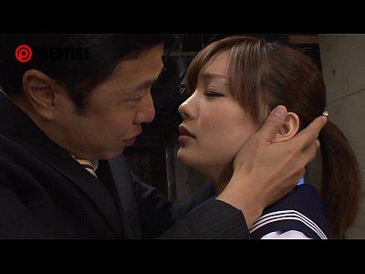目隠しした鈴村あいりを鬼ピストンで攻めてアヘアヘ言わせよう! | 男と女の潮吹き動画