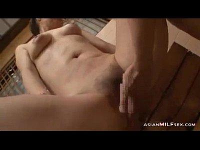 風呂場で自分の孫ほどの若い男の肉棒に弄ばれる五十路熟女動画9:00