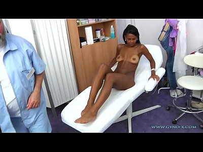 Doctor Gyno Speculum vid: Isabelle gyno exam