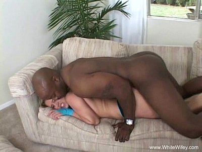 Blondes Interracial Hardcore video: Blonde MILF Is Willing To Try BBC
