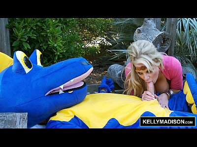 Bignaturaltits Blowjob Cosplay video: KELLY MADISON - How To Blow Your Dragon