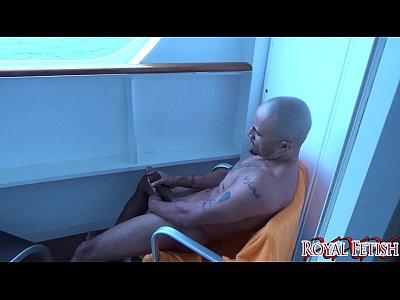 Bbc Cumshot Ebony video: Boat Stroke GONZO BBC CUMSHOT