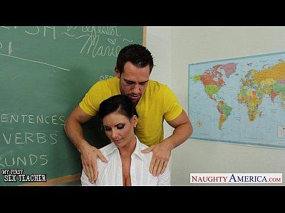 Aluno subornando professora na escola