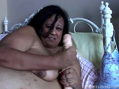 Bbw Beefy Belly video: SSBBW thinks of you fucking her juicy pussy