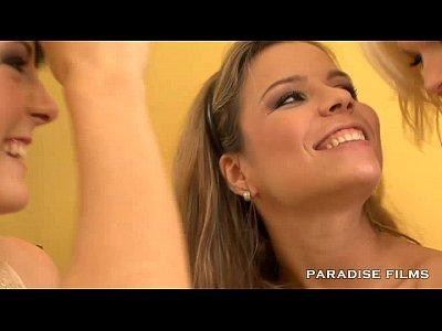 13 Min PARADISE FILMS Arousing Lesbian Threeway