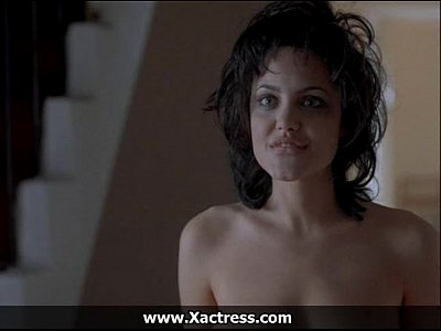sonali kulkarni naked boobs pussy