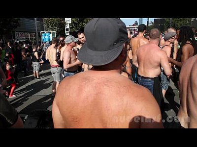 Exhibitionist Naked Nude video: Nude in San Francisco does the Folsom Street Fair 2013