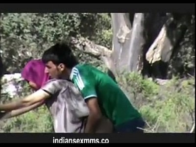 Arab Indian Sex video: www.indiangirls.tk Couples Goes Horny Doiing Quicky at Park MMS