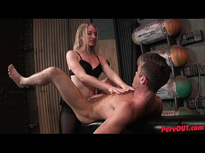 Strapon Femdom movie: Villain Realty Pegging w Riley Reyes Lance Hart PEGGING PANTYHOSE