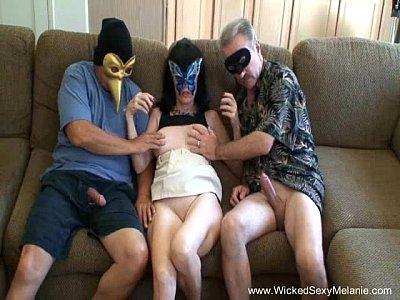 Filme porno de coroas com as novinhas