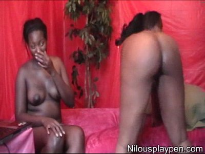 Bigtits Bootyshaking Brunettes video: Nilou Achtland & newbie MsAquafinuh's (Naked Webcams Show)