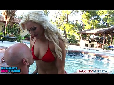 Blonde Blowjob Busty video: Superb Cameron Dee fuck in the pool