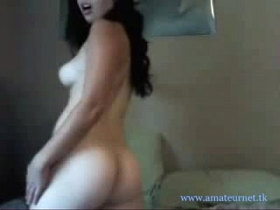 658695 cute girl playing on cam